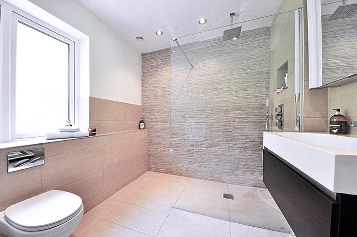 ¿Por qué cambiar la bañera por un plato de ducha?